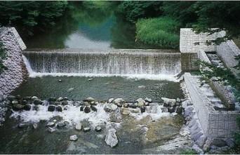 02_湯西川砂防堰堤と魚道